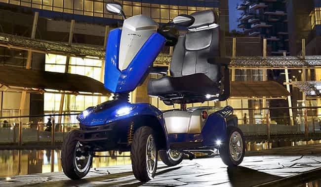 Scooter électrique handicapé Kymco Maxer en bleu