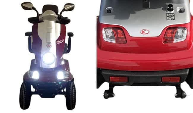 L'éclairage à LED allumé et les deux grands rétroviseurs du scooter électrique senior Kymco Maxi XLS