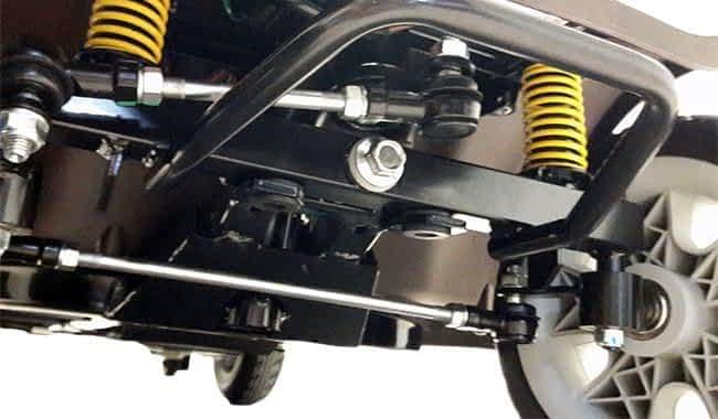 Le châssis avant du scooter électrique Kymco Mini LS Confort avec les grandes roues
