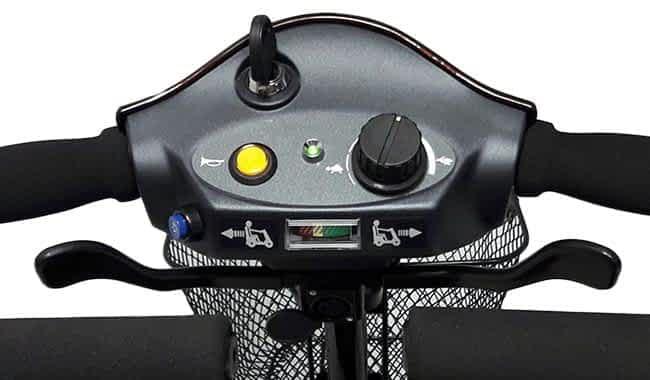 Le tableau de commande fonctionnel et intuitif du scooter senior démontable Kymco Mini LS